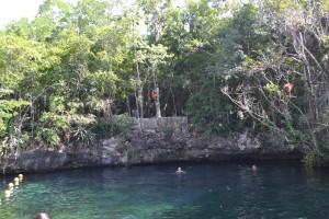 Cenote a cielo abierto